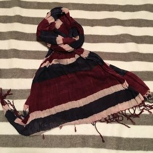 URBAN OUTFITTERS STRIPED SCARF